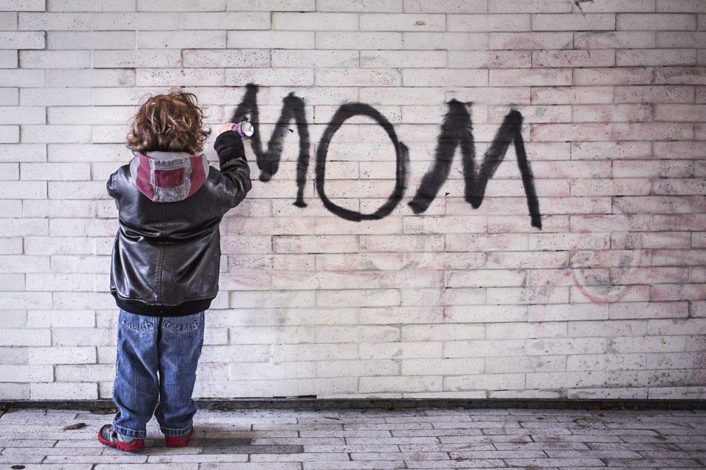 Comment retirer la garde d'un enfant à une mère irresponsable?