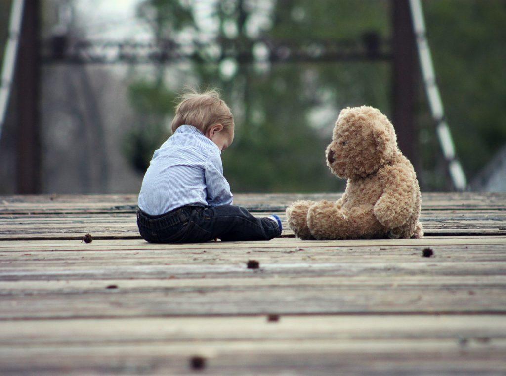 Modalités du droit de visite de l'enfant en présence d'un tiers